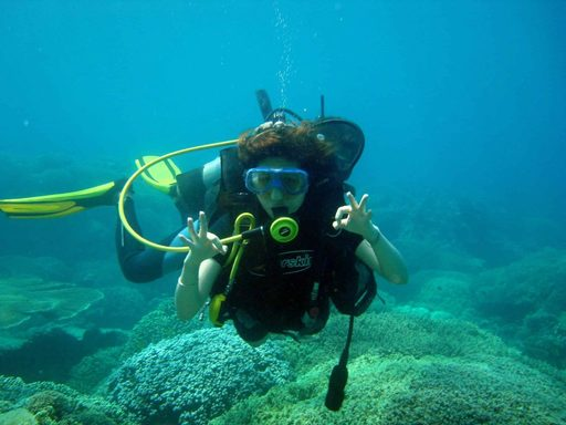 Du lịch Phú Quốc - Lặn ngắm san hô bằng bình dưỡng khí ( diving hay scuba)